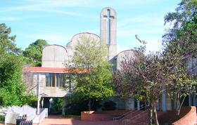 A view of Cannon Chapel at Candler School of Theology, at Emory University in Atlanta, Ga. Thirty-four percent of Emory's 944 full-time research staff are nonresident aliens. Photo by Revesq, courtesy of Wikimedia Commons.