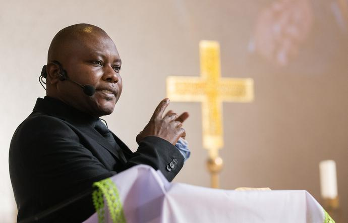 The Rev. Frank Asare gives the sermon during worship at Calvary United Methodist Church. Photo by Mike DuBose, UMNS.