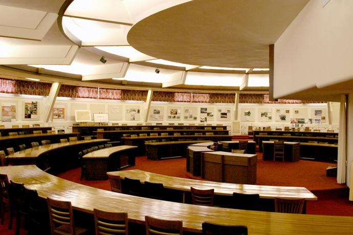 The Hollis Room is the reading room of the original E. T. Roux Library designed by architect Frank Lloyd Wright for Florida Southern College. The college outgrew the library and built a new building in the 1960s. Today, the Hollis Room is used for lectures and special events. Photo courtesy of Florida Southern College.