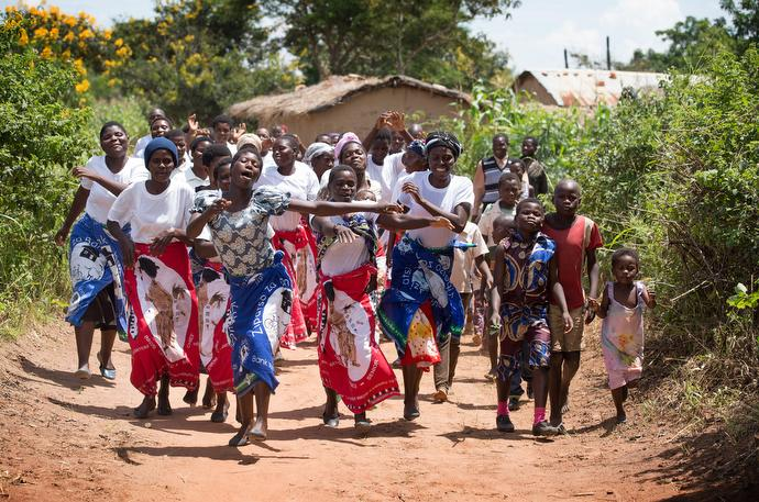 Villagers greet visitors in Nkhafi, Malawi. Photo by Mike DuBose, UMNS.