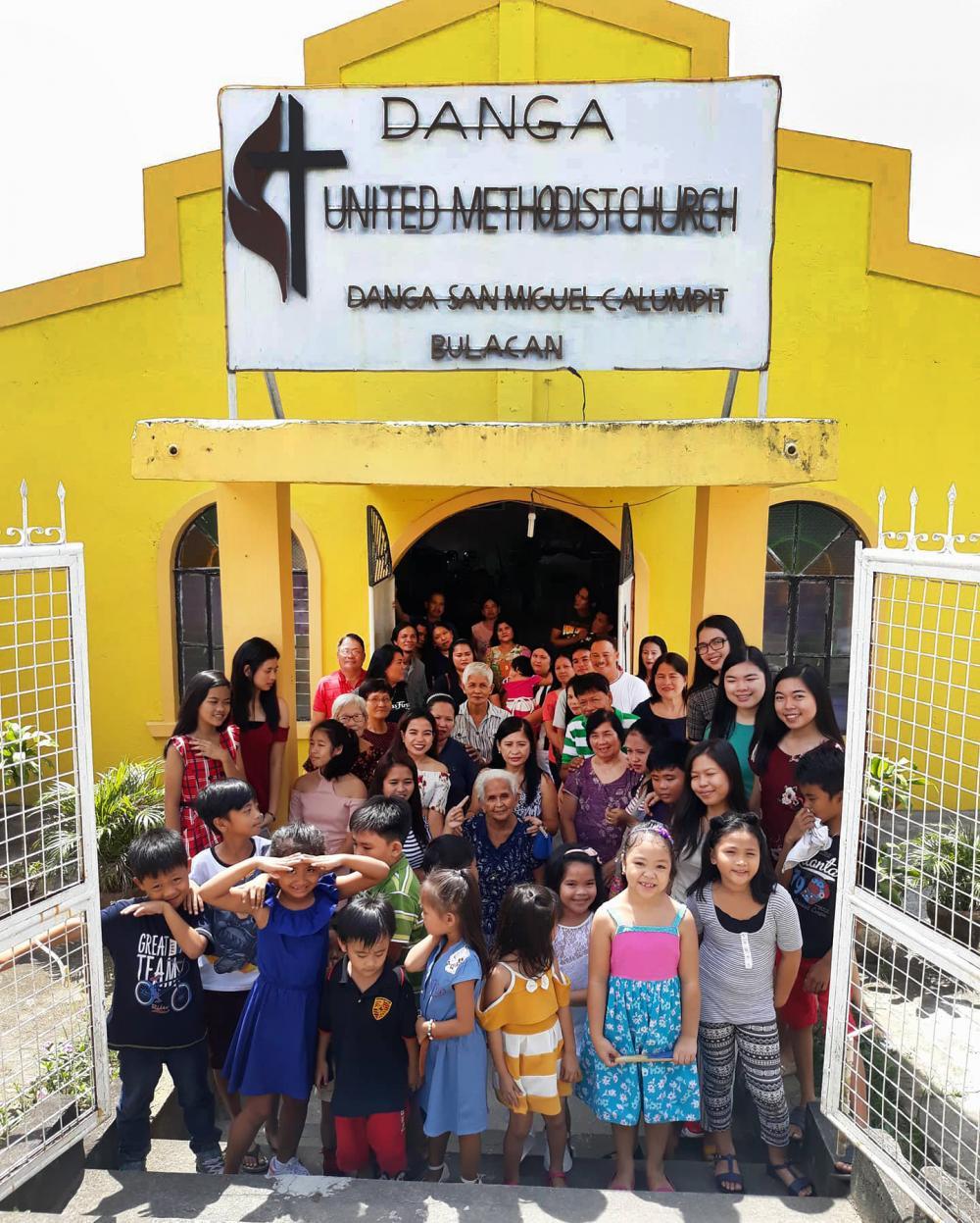 Filipino church grows amid war on drugs