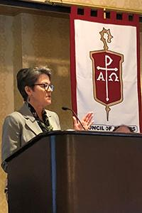 Bishop Sally Dyck welcomes bishops and other visitors to the Northern Illinois Conference for the spring 2018 Council of Bishops meeting in Chicago. Photo by Anne Marie Gerhardt, Northern Illinois Conference.