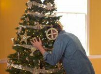 Chuck Knows Church looks for the meaning behind the symbols seen on a Chrismon Tree.