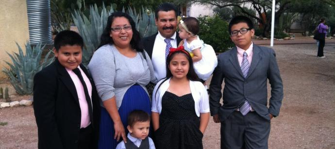 Francisco Perez Cordova with his wife Sarai, and their five children. Photo courtesy St. Francis in the Foothills United Methodist Church