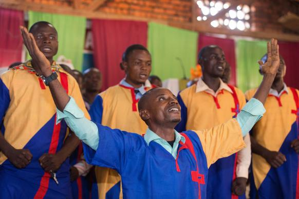 The Chosao-B choir, made up from members of nearby local United Methodist churches, sings during a choral concert at the Tokolote Moto-Moto United Methodist Church in Kindu, Democratic Republic of Congo. Photo by Mike DuBose, UMNS