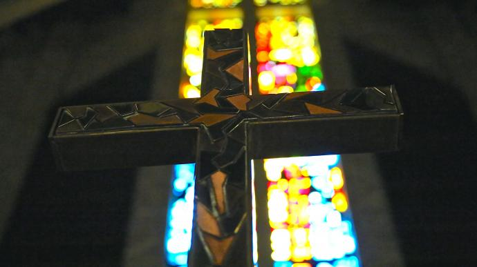 Cross hangs in Memorial Drive United Methodist Church in Houston, Texas. Photo by Joe Center.