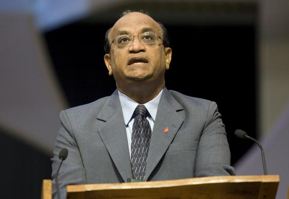Bishop Sudarshana Devadhar addresses a session of the 2008 United Methodist General Conference in Fort Worth, Texas. A UMNS photo by Mike DuBose.