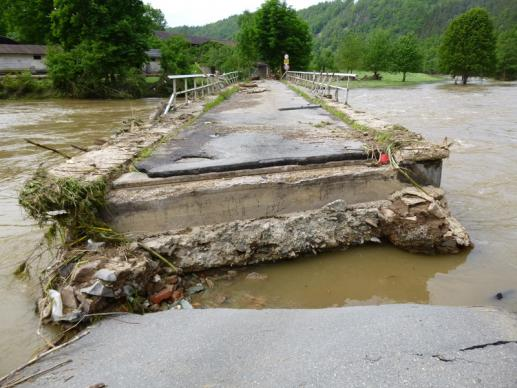 A bridge is broken by the flooding near Waltersdorf (Thueringen, East Germany), hometown of the family of United Methodist Bishop Friedrich Wunderlich, who was bishop of Germany from 1953 to1968. Photo courtesy of Joerg-Eckbert Neels.