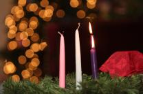 Advent wreath and candles at Sixty-First Avenue United Methodist Church in Nashville, Tenn. Photo by Kathleen Barry, United Methodist News Service