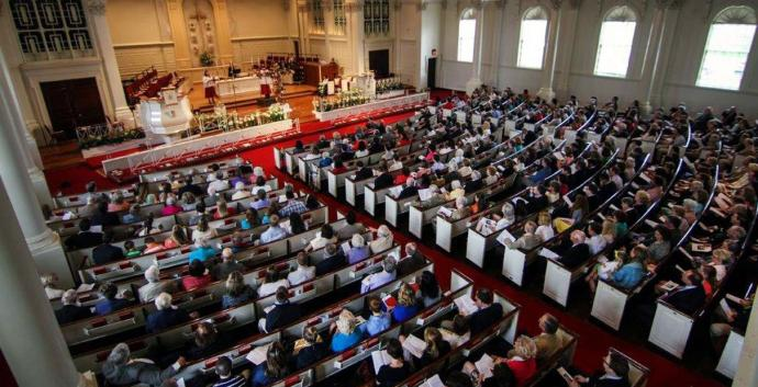 Worshipers at Easter fill Glenn Memorial United Methodist Church in Atlanta where attendance has been on a steady rise. Photo by Joseph McBrayer.