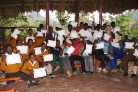 Hannah Petrillo and her first aid class in Uganda.