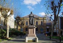 Statue of John Wesley outside of Wesley's Chapel in the Museum of Methodism on City Road in London. Photo by PfofDEH / Wikimedia Commons / CC-BY-SA-3.0