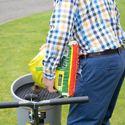 The Handy 50lbs Broadcast Fertiliser Spreader