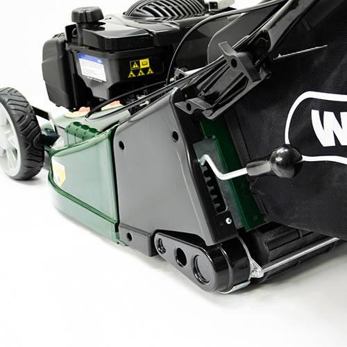 Webb RR19 19 Self Propelled ABS Deck Petrol Roller Rotary Mower