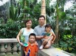 http://store.zcubes.com/D98FDA7D70B34D63B4ACDAF967D75CDD/Uploaded/familypicture.jpg