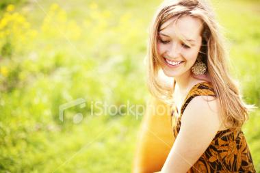http://store.zcubes.com/DDA81CC0193C4DE6BC59E439144C606B/Uploaded/ist2_3243253_spring_portraits.jpg
