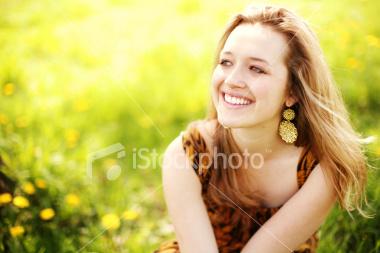 http://store.zcubes.com/DDA81CC0193C4DE6BC59E439144C606B/Uploaded/ist2_3243439_spring_portraits.jpg