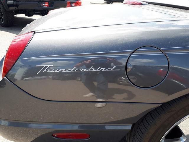 Ford Thunderbird 18