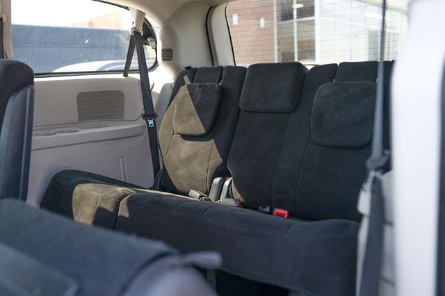 Dodge Caravan 9