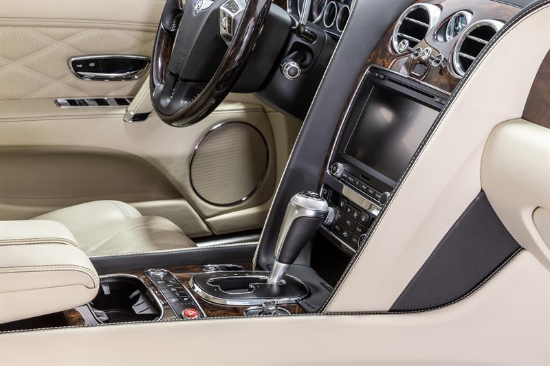 Bentley Flying Spur 18