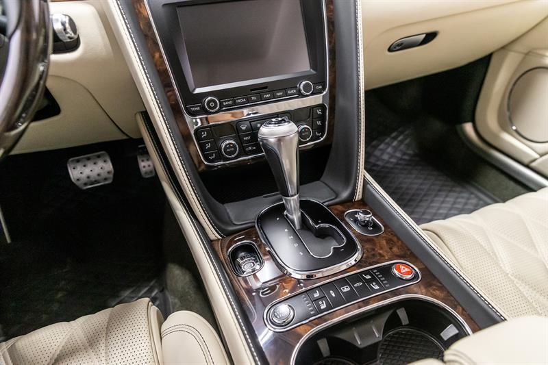 Bentley Flying Spur 27