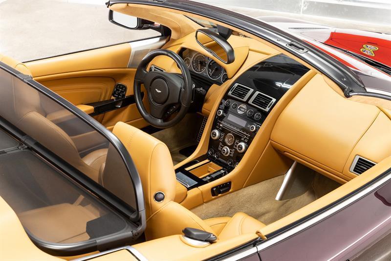 Aston Martin DBS Volante 4