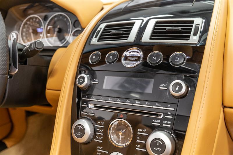 Aston Martin DBS Volante 14