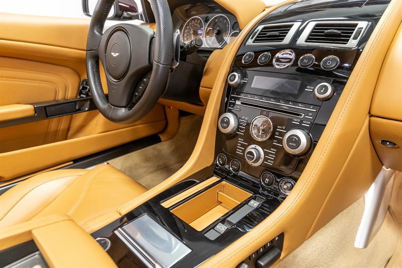 Aston Martin DBS Volante 15