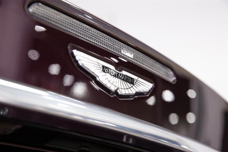 Aston Martin DBS Volante 19