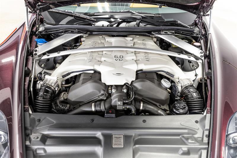 Aston Martin DBS Volante 21