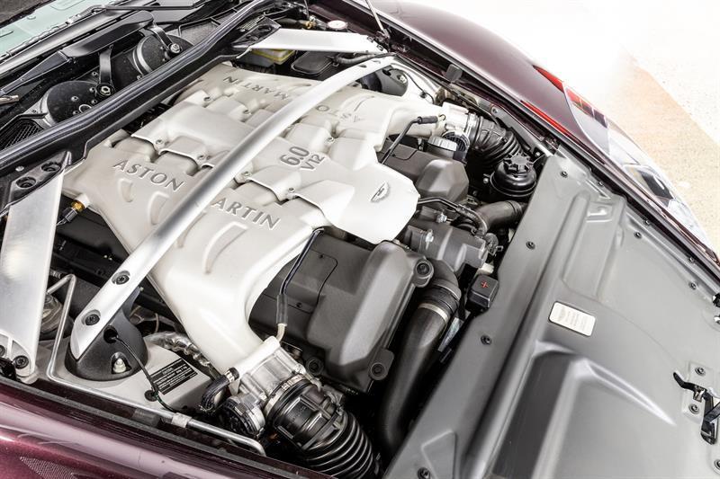 Aston Martin DBS Volante 22