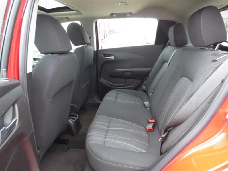 Chevrolet Sonic 10
