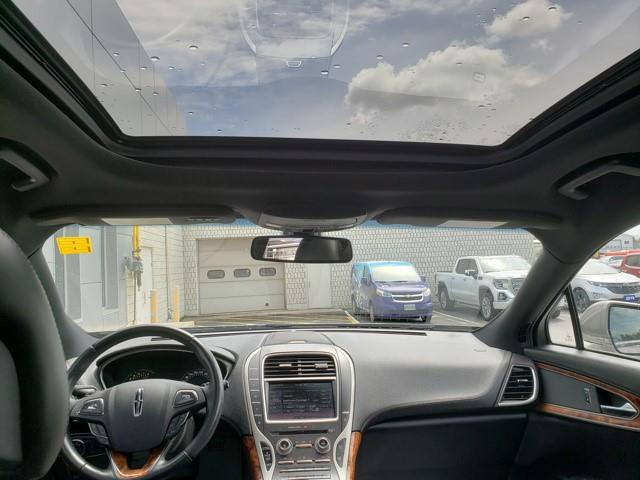 Lincoln MKX 17