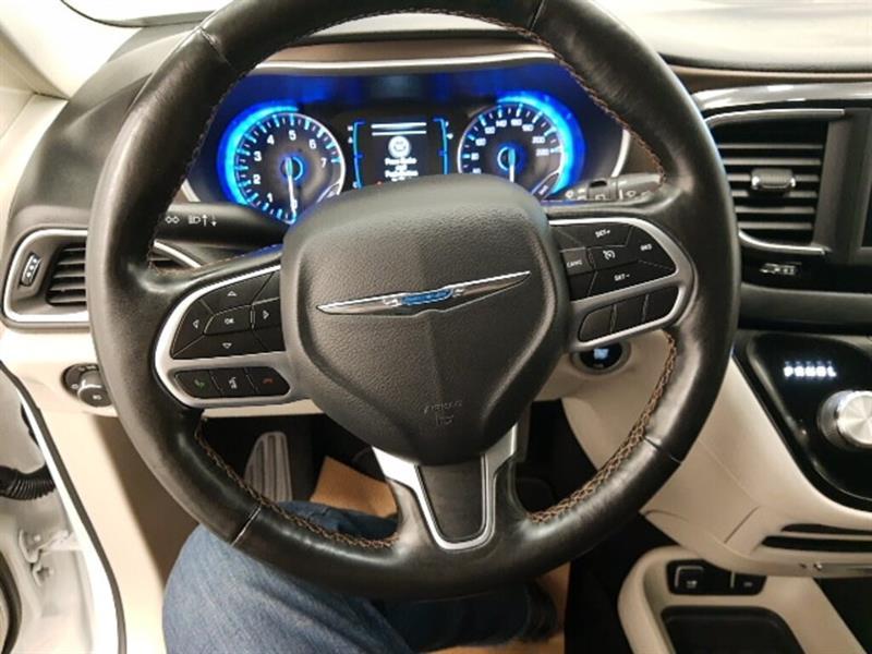 Chrysler Pacifica 13