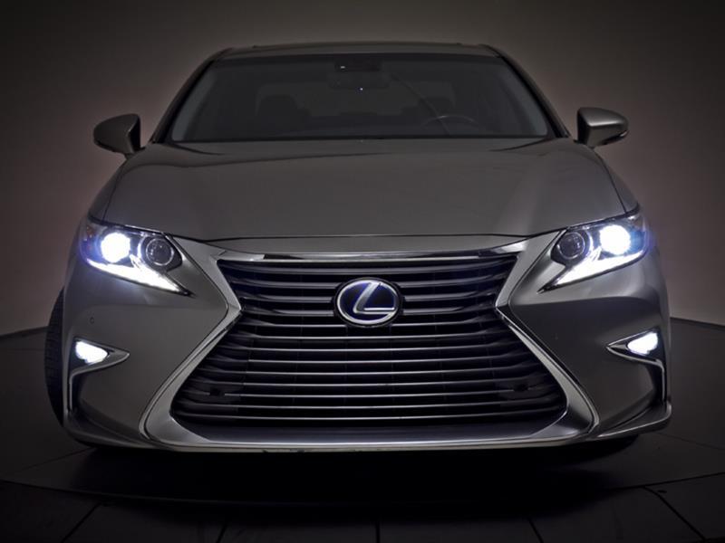 Lexus ES 300h 18