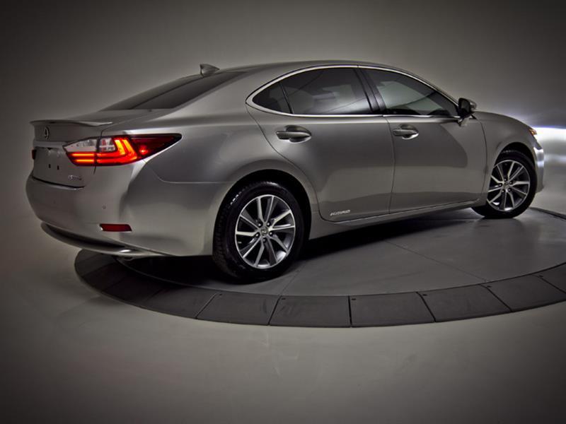 Lexus ES 300h 19