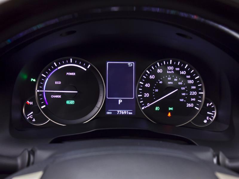 Lexus ES 300h 21