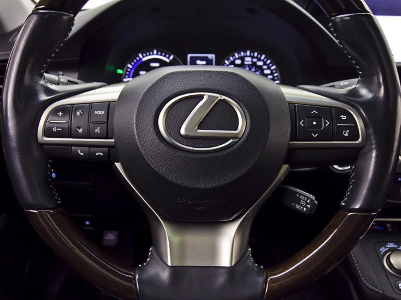 Lexus ES 300h 22