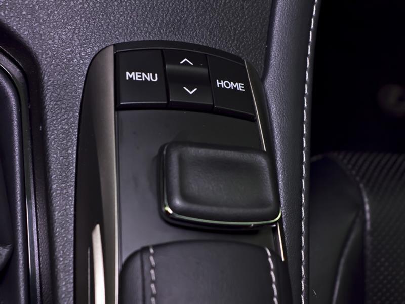 Lexus ES 300h 28