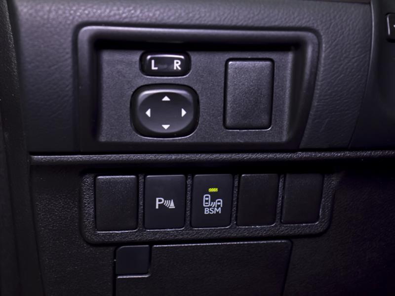 Lexus ES 300h 29