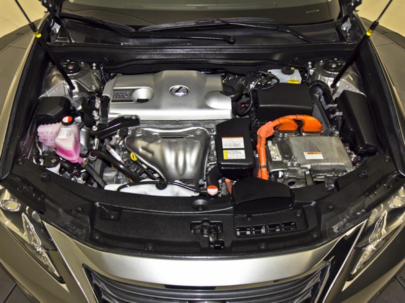 Lexus ES 300h 36