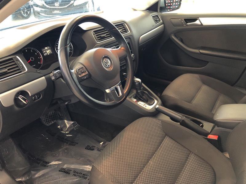 Volkswagen Jetta Sedan 6