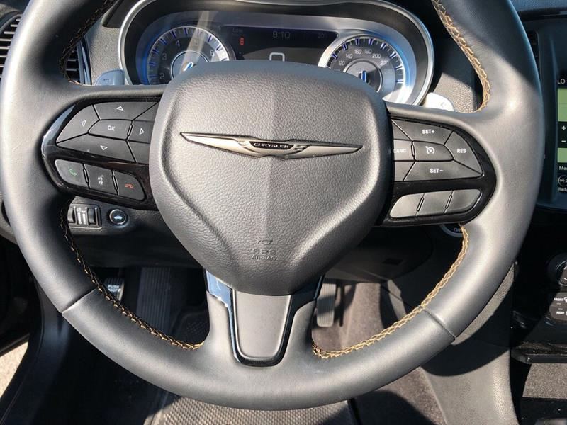 Chrysler 300 16