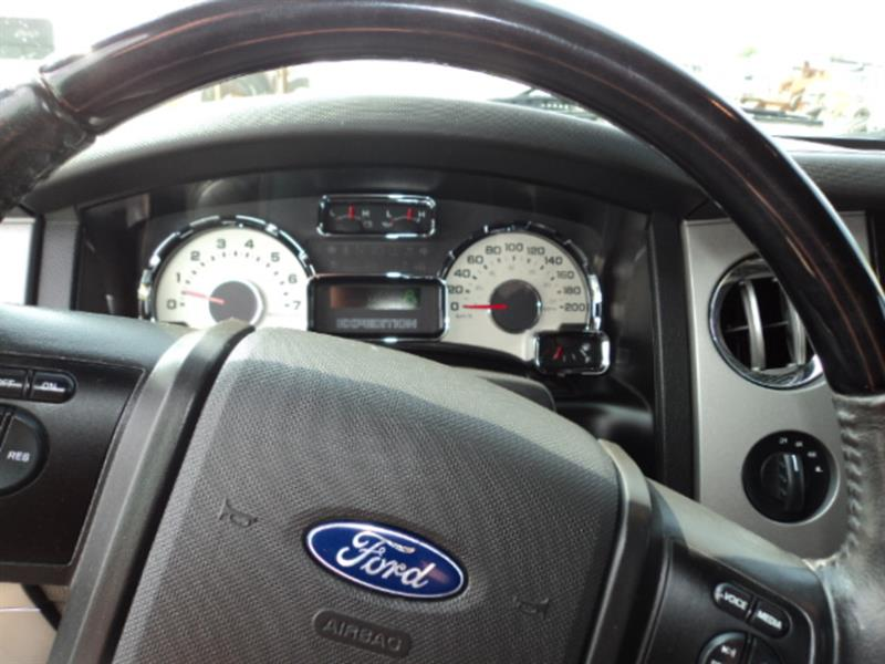 Ford Expedition 8