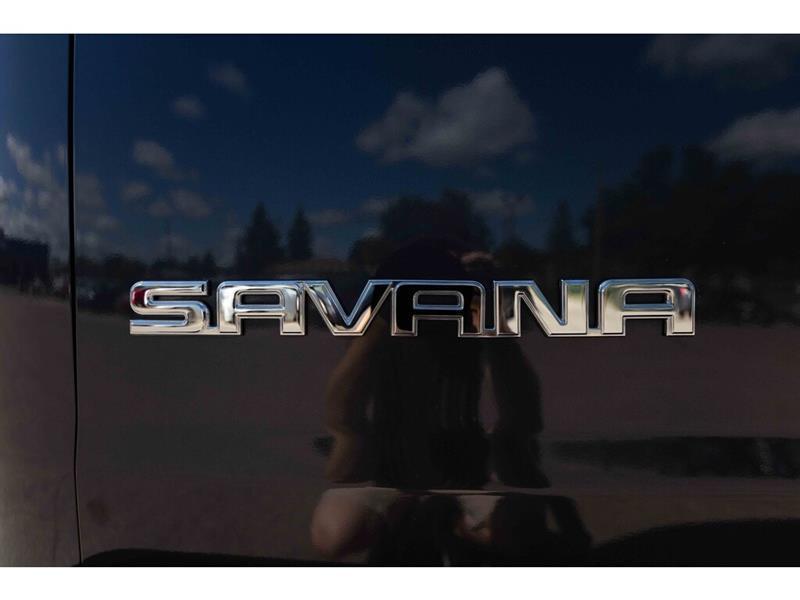 GMC Savana 11