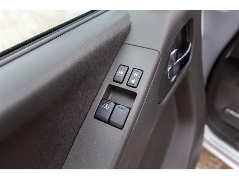Nissan Camionnette 23