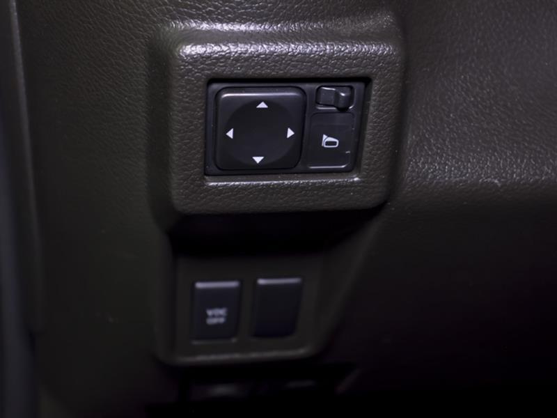 Nissan Cutaway 27