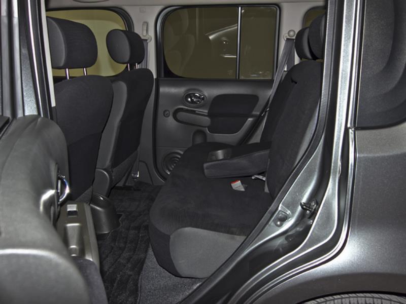 Nissan Cutaway 31
