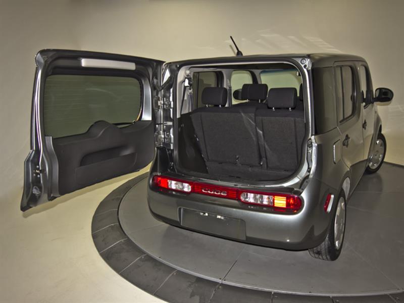 Nissan Cutaway 32