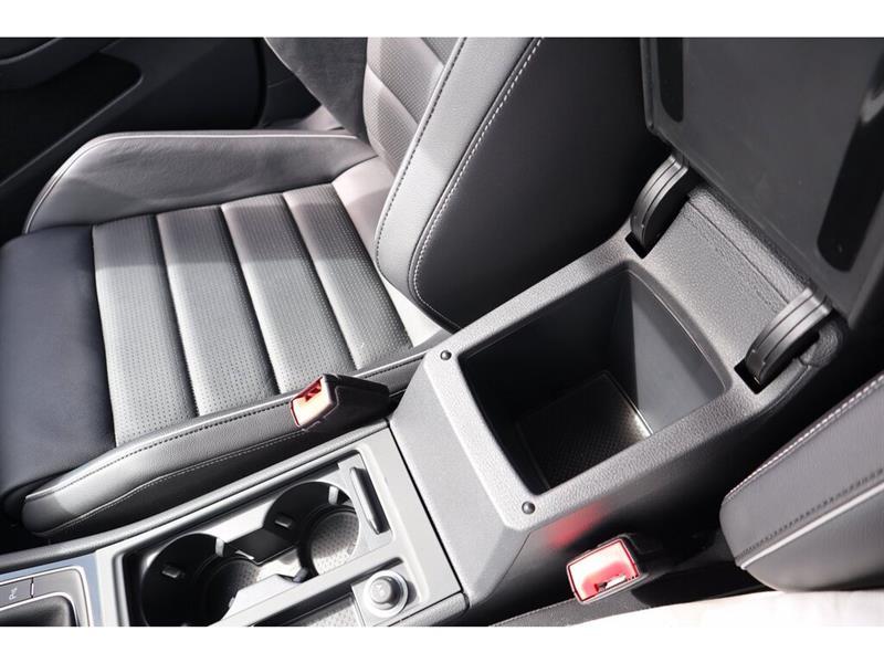 Volkswagen Golf R 14